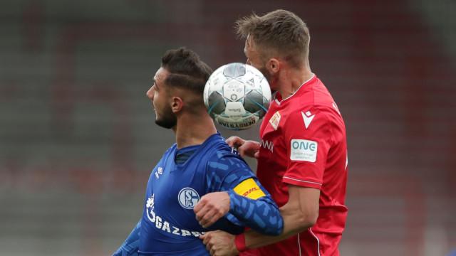 Bundesliga: Wolfsburg Bekap Bremen, Schalke Kembali Gagal Menang (476313)