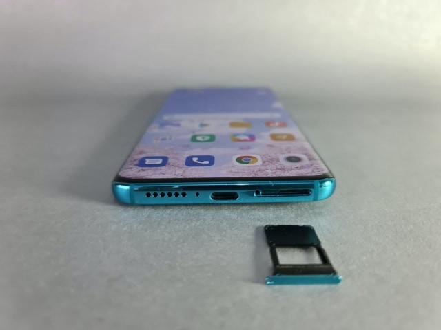 Review Xiaomi Mi 10: Desain Mewah, Kamera Banyak, Sesuai Fungsi (720898)