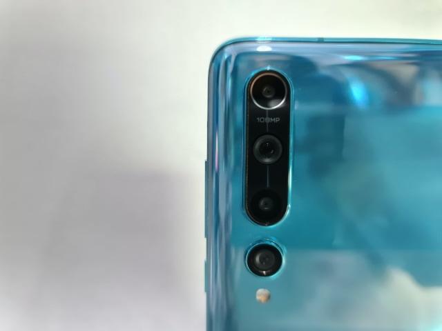 Review Xiaomi Mi 10: Desain Mewah, Kamera Banyak, Sesuai Fungsi (720903)