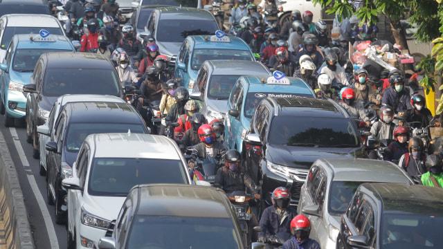 Separuh Pekerja Jakarta Tempuh Perjalanan Hingga 30 KM untuk Sampai ke Kantor (394740)