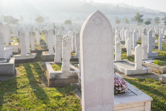 Travel Blogger di China Ini Diburu Polisi Gara-gara Bikin Konten di Pemakaman (429014)