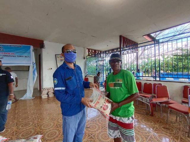 Petrotekno Migas Bantuan 3 Ton Beras Untuk 10 Kampung di Bintuni (116836)