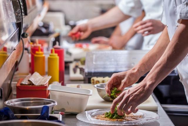 13 Staf Restoran Dikarantina Setelah Bekerja di Acara Kampanye Donald Trump (72655)