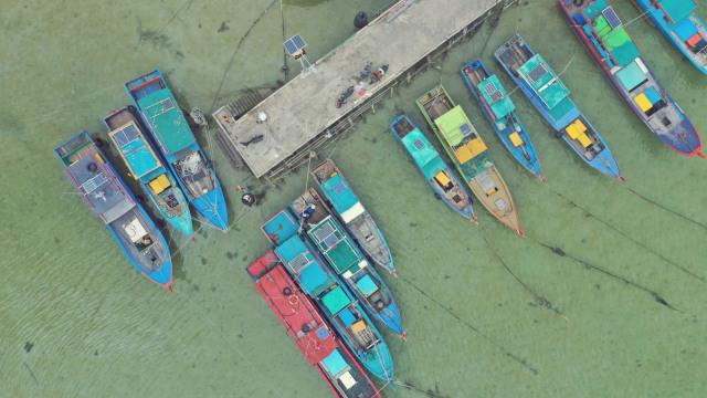Makin Panas, Filipina Minta Nelayannya Tak Hiraukan Larangan China (123894)