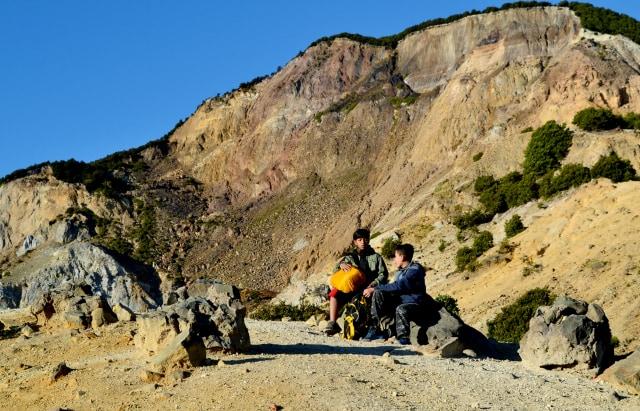Menikmati Pendakian Gunung Papandayan di Garut (10534)