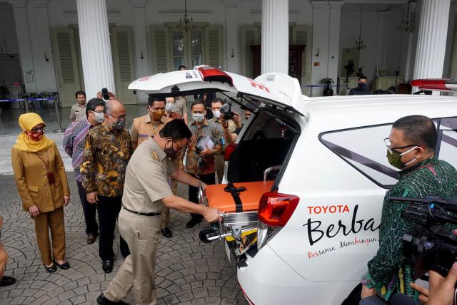 4 Unit Toyota Kijang Innova Ambulans buat Pemprov DKI Jakarta Lawan COVID-19 (267201)