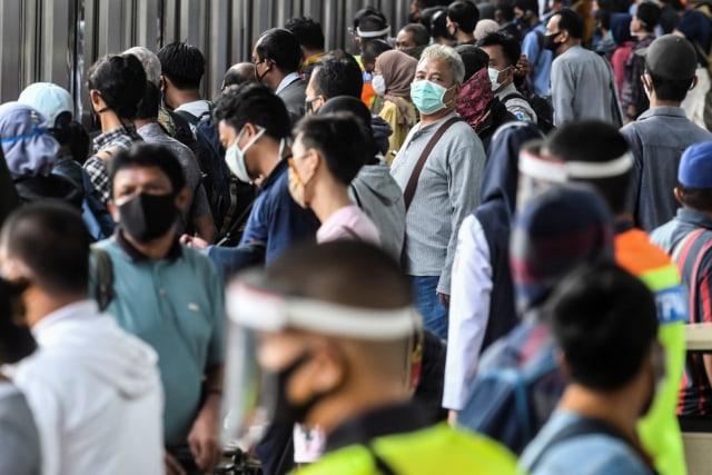 MPR: Kasus Corona Makin Naik karena Warga Tak Patuh Protokol Kesehatan Dibiarkan (33895)