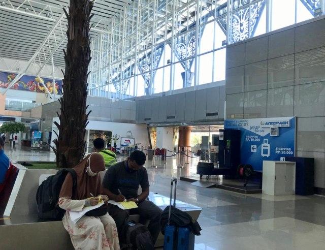 Foto: Suasana Bandara Supadio Pontianak Setelah Penerbangan Dibuka Kembali (86705)