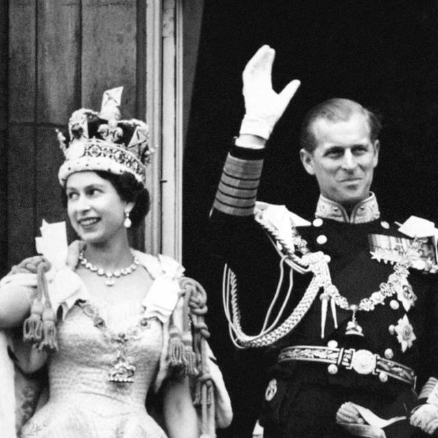Rayakan Ultah Ke-99, Intip Foto-foto Tampan Pangeran Philip Waktu Muda (575434)