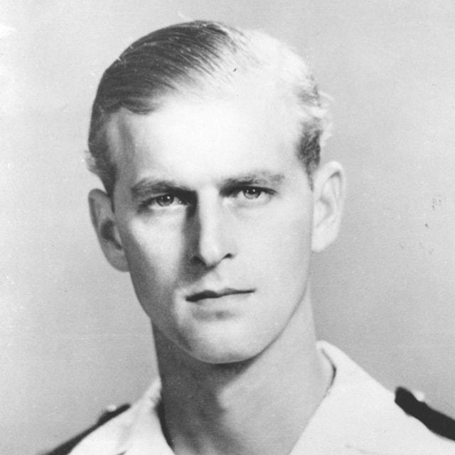 Rayakan Ultah Ke-99, Intip Foto-foto Tampan Pangeran Philip Waktu Muda (575433)