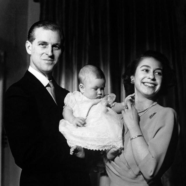 Rayakan Ultah Ke-99, Intip Foto-foto Tampan Pangeran Philip Waktu Muda (575436)