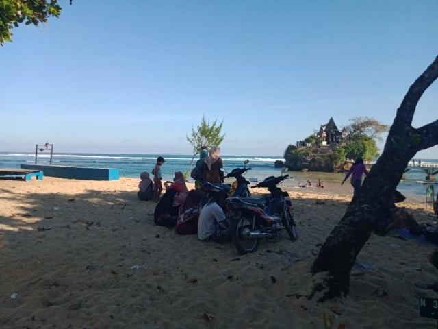 10 Hari Dibuka Pantai Balekambang Di Malang Sudah Kotor Kembali Kumparan Com
