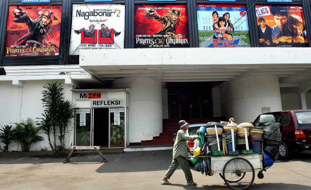 Menanti Drive-in Cinema, Alternatif Nonton Film di Bioskop kala Pandemi (237360)
