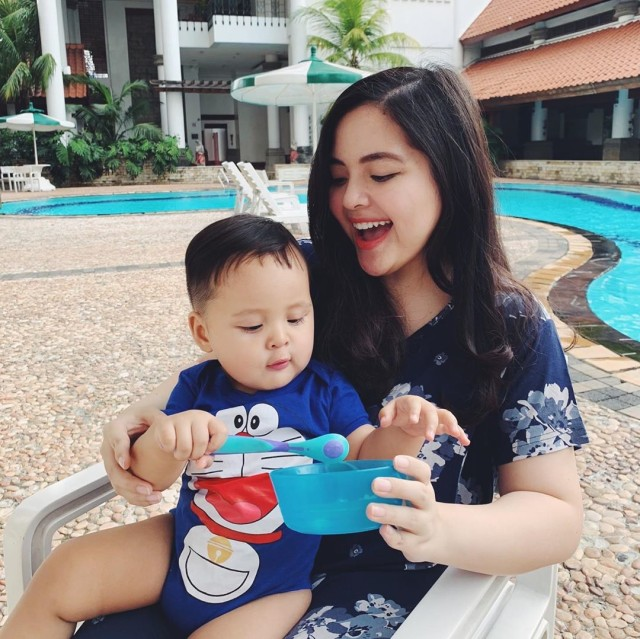 Tasya Kamila Cerita Soal Pengalamannya Memberikan MPASI untuk Anak (590397)