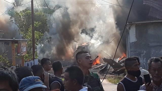 TNI AU Evakuasi Bangkai Pesawat Hawk ke Lanud Pekanbaru (31418)