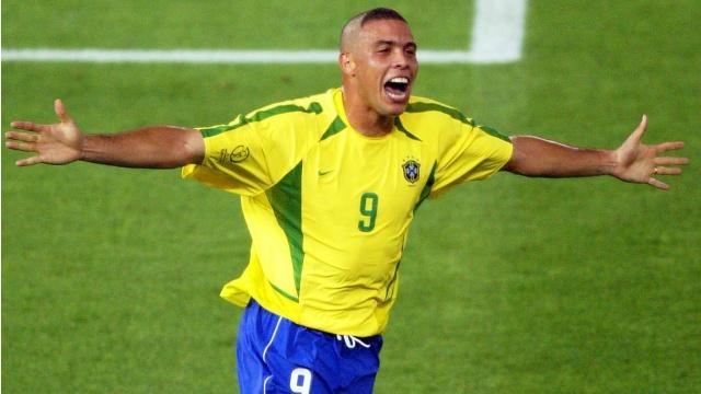 Cetak Hattrick, Neymar Salip Torehan Ronaldo di Timnas Brasil, Dekati Rekor Pele (239094)