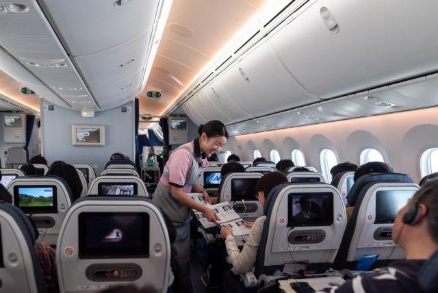 Survei: Masyarakat Indonesia Anggap Naik Pesawat Saat Pandemi Masih Berbahaya (205862)
