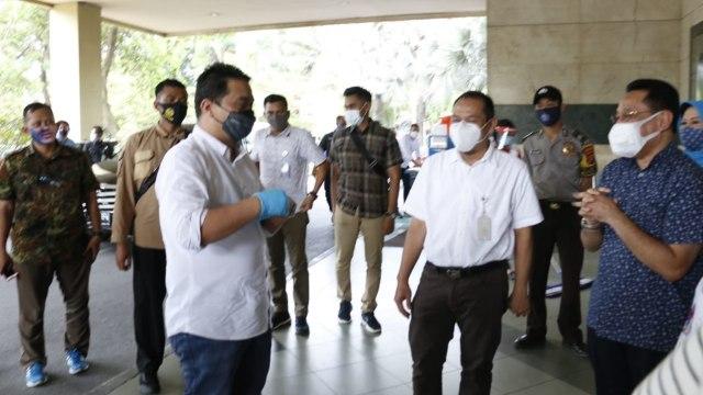 Babinsa hingga Lurah Akan Datangi Warga Jakarta yang Tak Verifikasi Vaksinasi (13318)