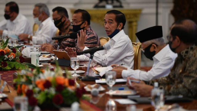 Jokowi Soal Ekonomi Kuartal 3: Daya Beli Mentok, Pajak Stuck, Kuncinya Investasi (1)