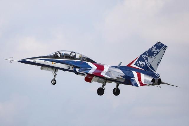 Foto: Melihat Pesawat Tempur Pertama yang Diproduksi Taiwan (320614)