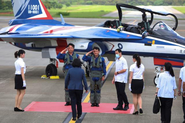 Foto: Melihat Pesawat Tempur Pertama yang Diproduksi Taiwan (320616)