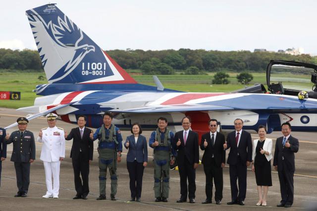 Foto: Melihat Pesawat Tempur Pertama yang Diproduksi Taiwan (320615)