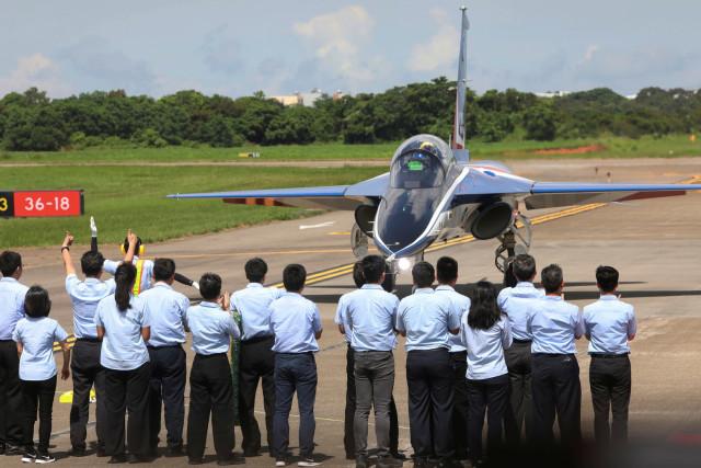 Foto: Melihat Pesawat Tempur Pertama yang Diproduksi Taiwan (320617)