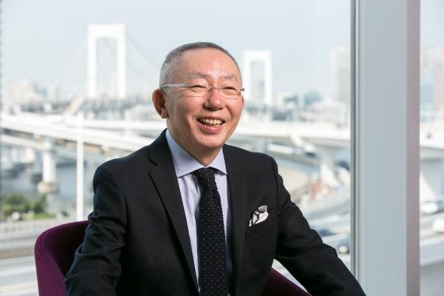 Mengenal Bos Uniqlo, Anak Tukang Jahit yang Kini Jadi Orang Terkaya di Jepang (290563)