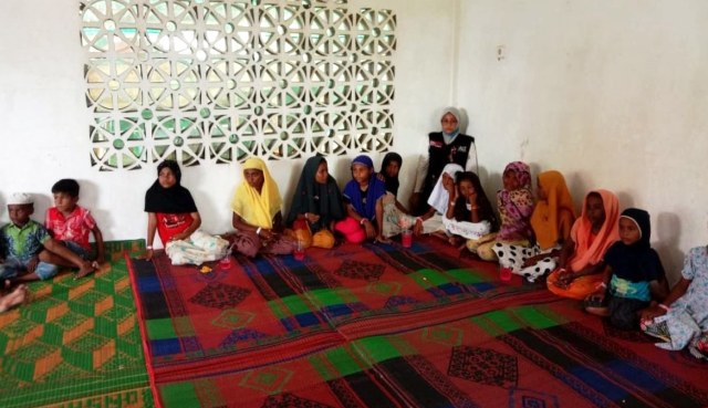 Anak-anak Pengungsi Rohingya Dikuatkan dengan Trauma Healing  (60760)