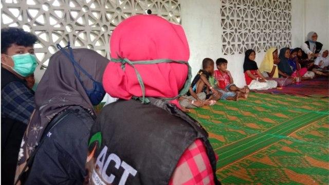 Anak-anak Pengungsi Rohingya Dikuatkan dengan Trauma Healing  (60761)