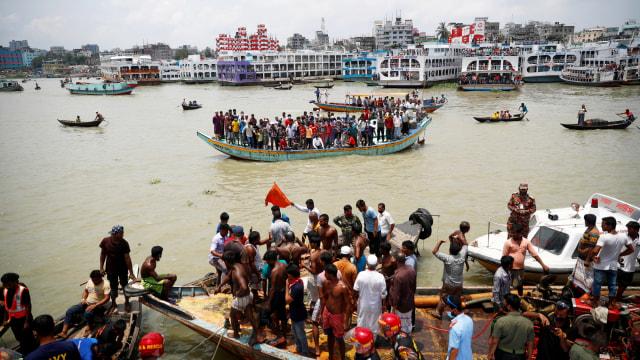 Kecelakaan Kapal Feri Bangladesh, 11 Tewas Puluhan Lainnya Hilang (10654)
