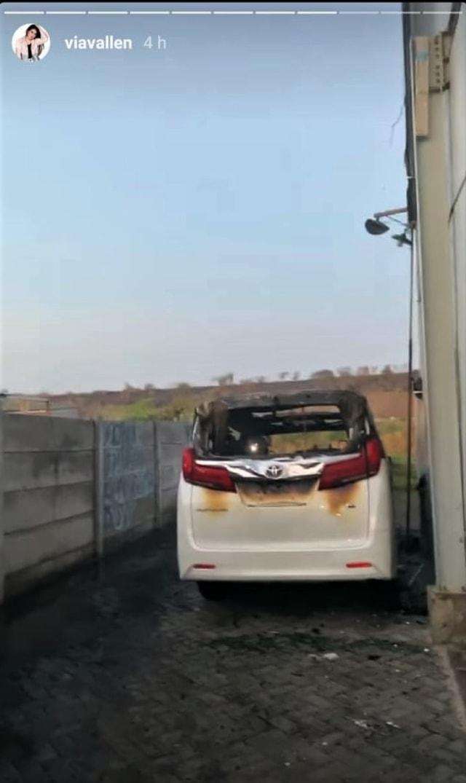 Toyota Alphard milik Via Vallen yang habis terbakar