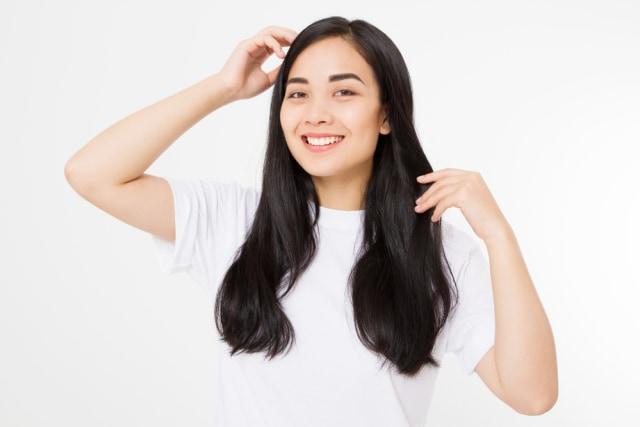 5 Kalimat Stereotip yang Sering Didengar Perempuan soal Rambutnya (333288)