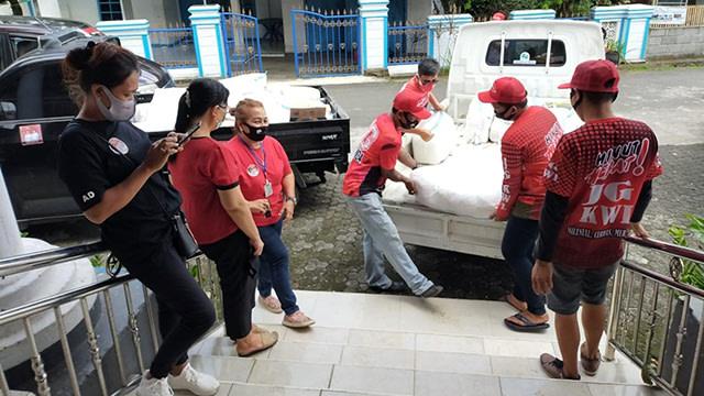 653 Paket Bantuan Corona Kembali Disalurkan Joune Ganda untuk Warga Minut (868882)