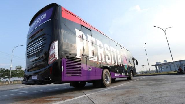 Foto: Deretan Bus Klub Sepak Bola Liga 1 2021, Mana yang Paling Keren? (264267)