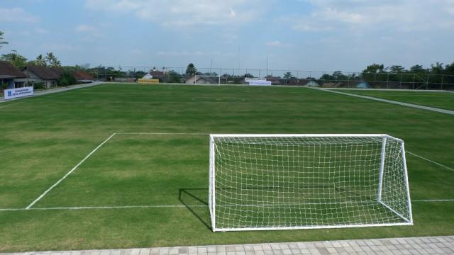 Melihat Desa di Lereng Merapi yang Miliki Lapangan Sepak Bola ala Eropa (288617)