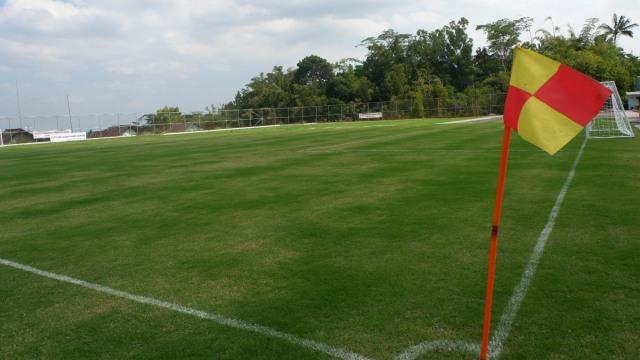 Menilik Lapangan Sepak Bola Ala Eropa Yang Terselip Di Desa Kumparan Com