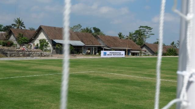Melihat Desa di Lereng Merapi yang Miliki Lapangan Sepak Bola ala Eropa (288615)