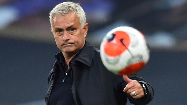 Willian Diklaim Tak Cocok di Arsenal, Mending ke Spurs Besutan Jose Mourinho (911253)