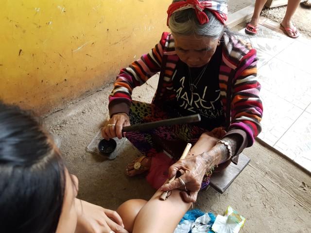 Tradisi Unik Suku Kalinga di Filipina, Menato Tubuh Sebagai Simbol Kecantikan (3)