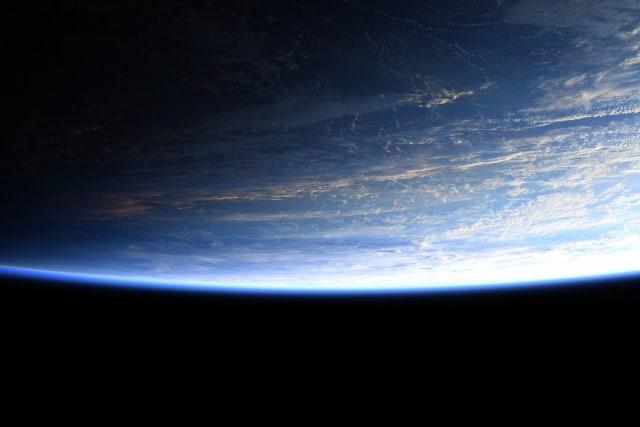 Nasa Upload Foto Bumi Dari Luar Angkasa Kaum Bumi Datar Tidak Percaya Kumparan Com