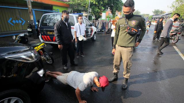Prof Wiku: 11 Daerah Sumbang 26% Kasus Aktif Corona di Indonesia (308888)