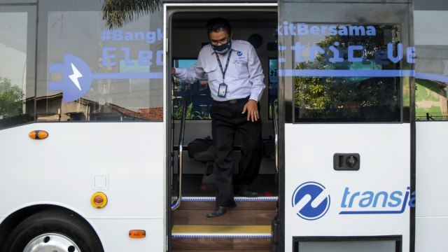 Catatan Pakar Untuk Uji Coba Bus Listrik Transjakarta (13618)