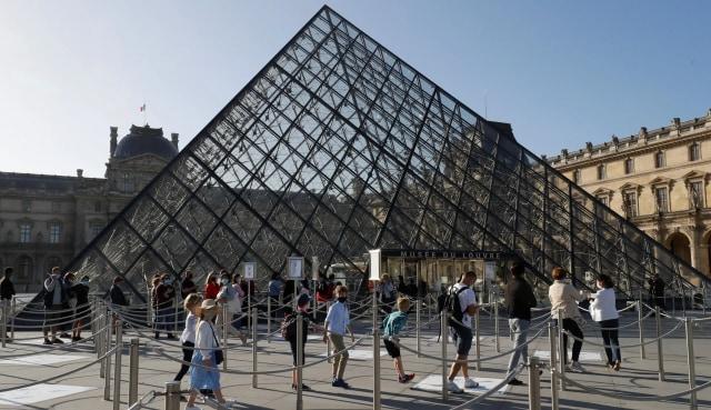 Dihantam Pandemi, Sepanjang 2020 Kunjungan Museum Louvre Paris Turun 72 Persen (393765)