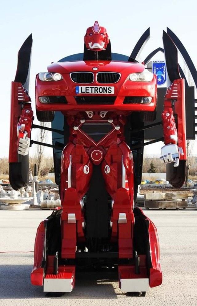 Mobil Berubah Menjadi Robot Ternyata Ada Di Dunia Nyata, Ini Wujudnya (1305845)
