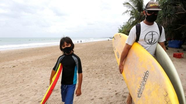 Foto: Pantai Bali Kembali Dibuka (275492)