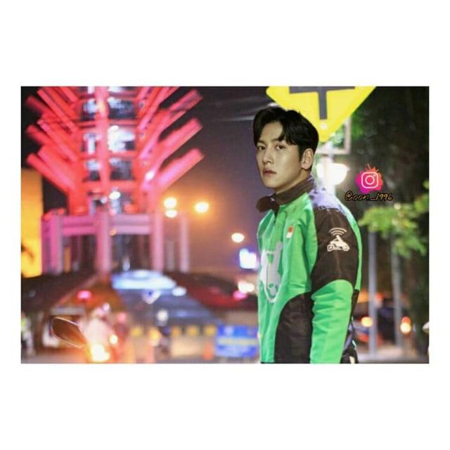 Melihat Para Aktor Korea Saat Wajahnya Diedit Jadi Driver Ojol (392902)