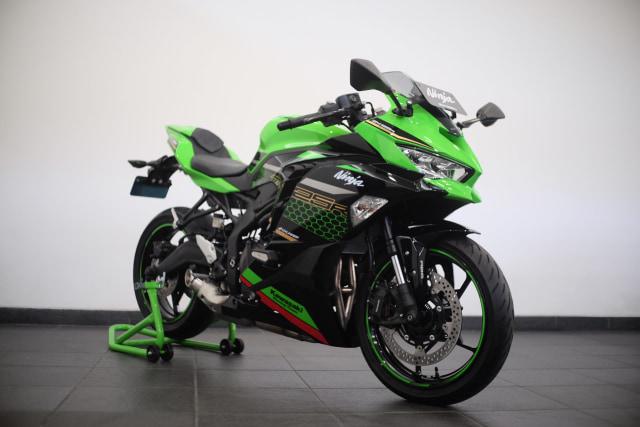 Foto: Lebih Dekat dengan Kawasaki Ninja ZX 25R (50419)