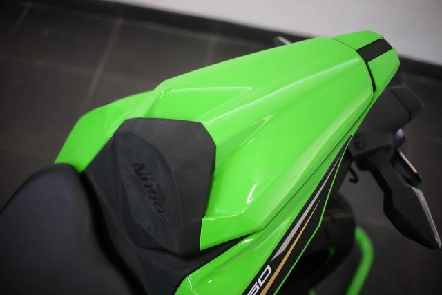 Foto: Lebih Dekat dengan Kawasaki Ninja ZX 25R (50443)