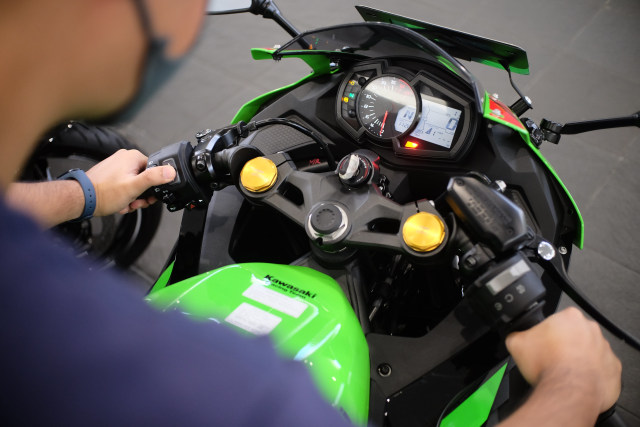 Foto: Lebih Dekat dengan Kawasaki Ninja ZX 25R (50440)
